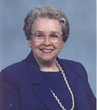 Ms. Virginia Wall, Chairman, MAXI-V Reunion (9462 bytes)